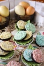 White Fudge Dipped Easter Oreos!