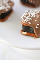 Oreo Cheesecake Pretzel Bites11