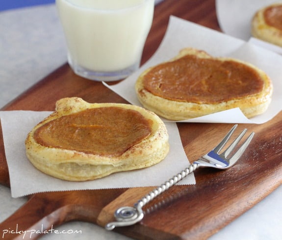Cinnamon Toasted Pumpkin Pie Tarts - Picky Palate