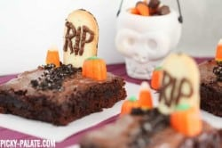 Graveyard Brownies 4