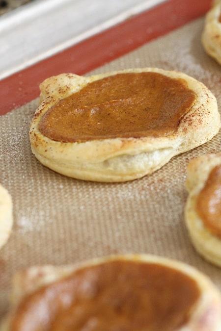 Cinnamon Toasted Pumpkin Pie Tarts - Picky Palate