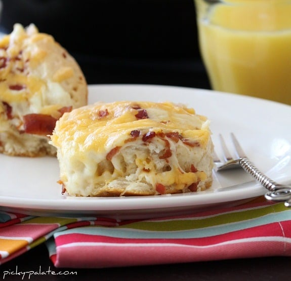 """""""Easy"""" Cheesy Bacon Biscuit Pull-Aparts"""