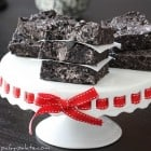 No-Bake Chewy Cookies and Cream Bars