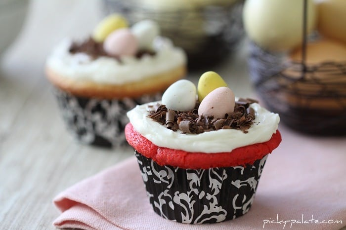 Image of Simple Easter Egg Cupcakes