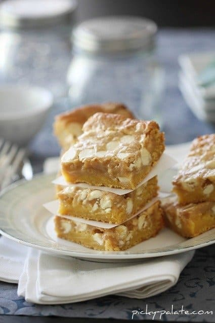 Image of Gooey White Chocolate Fluffernutter Cake Bars
