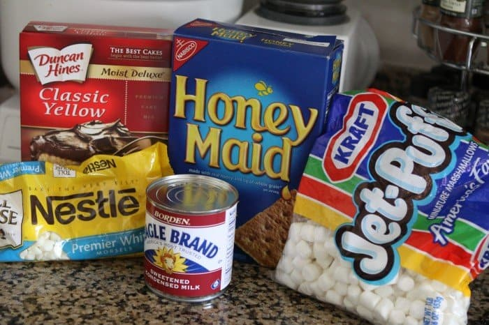 Image of Ingredients for White Chocolate S'mores Gooey Cake Bars
