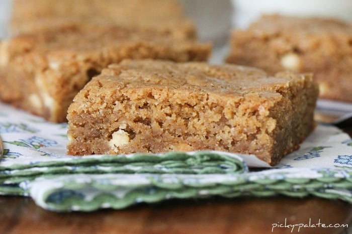 Image of White Chocolate Biscoff Blondie Squares