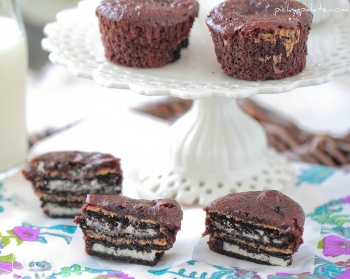 Image of Oreo Peanut Butter Brownie Cakes on a Cake Platter