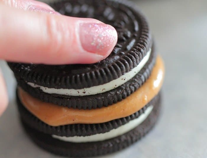 Image of Peanut Butter Sandwiched Between Two Oreos