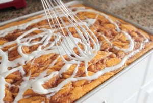 Cinnamon Roll Pumpkin Cake 2 035