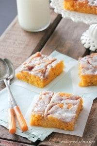 Cinnamon Roll Pumpkin Cake 2 063sm