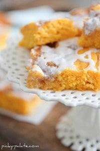 Cinnamon Roll Pumpkin Cake 2 071sm