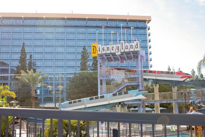 Disneyland Resort 39 S Goofy 39 S Kitchen