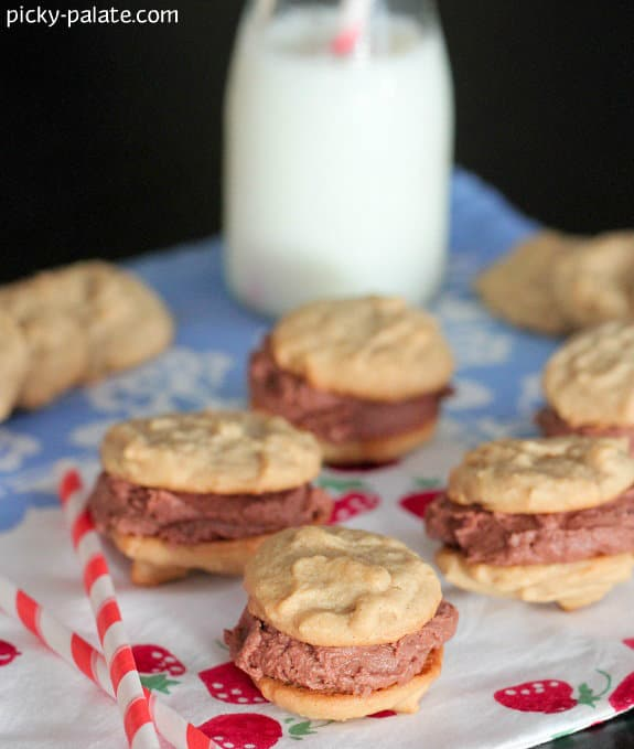 Mini Peanut Butter and Chocolate Buttercream Cookie Sandwiches - Picky ...
