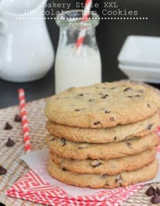 Bakery Style XXL Chocolate Chip Cookies 2 text
