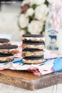 Chocolate Chip Cookie Stuffed Oreos  4