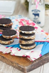 Chocolate Chip Cookie Stuffed Oreos 5