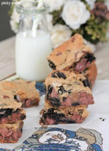 Oreo Chocolate Chip Peanut Butter Bars 4