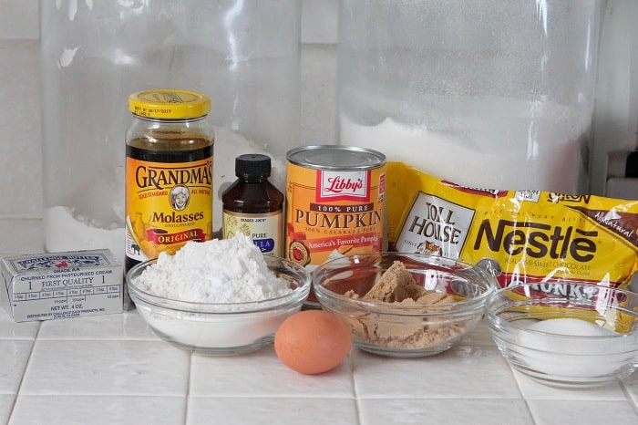 ingredients for pumpkin chocolate chip cookies
