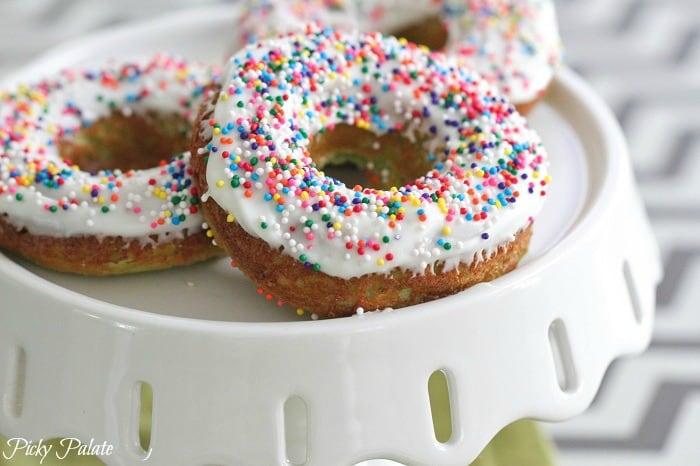 Green Velvet Baked Sprinkle Donuts 3t