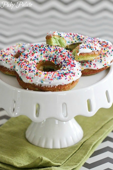 Green Velvet Baked Sprinkle Donuts 4t