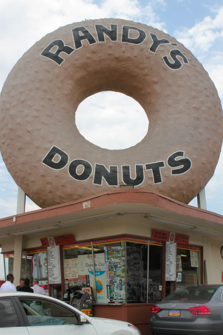 Randy's Donuts Review-6