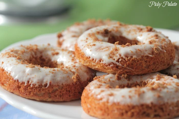 Gingerbread Baked Donuts with Gingersnap Icing-22t