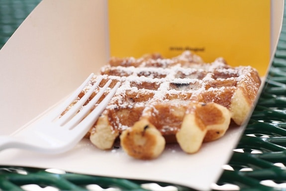 Waffles and Dinges Food Truck