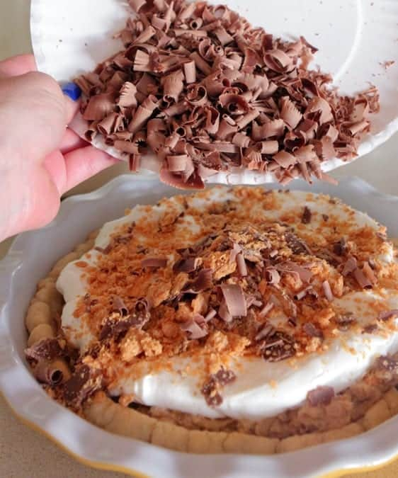 Peanut Butter Butterfinger Cream Cheese Pie
