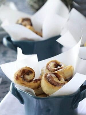Itty Bitty Cinnamon Roll Bites