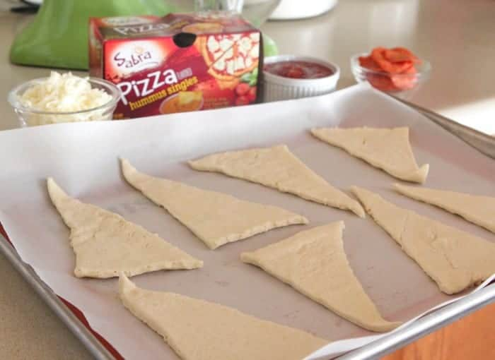 Cheesy Pepperoni Pizza Hummus Rolls