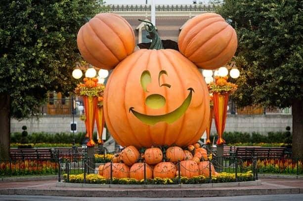 Tips For Visiting Disneyland Resort During Halloween