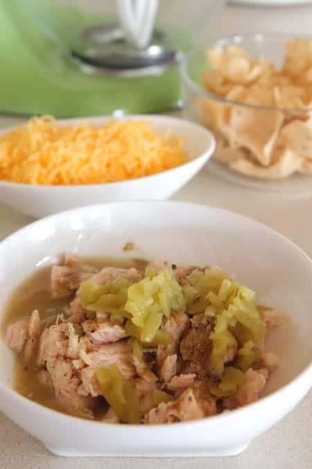 Chicken Enchilada Baked Nacho Bites