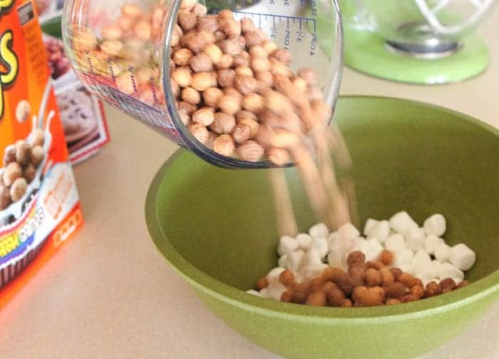 Gooey Chocolate Peanut Butter Crunch Bars