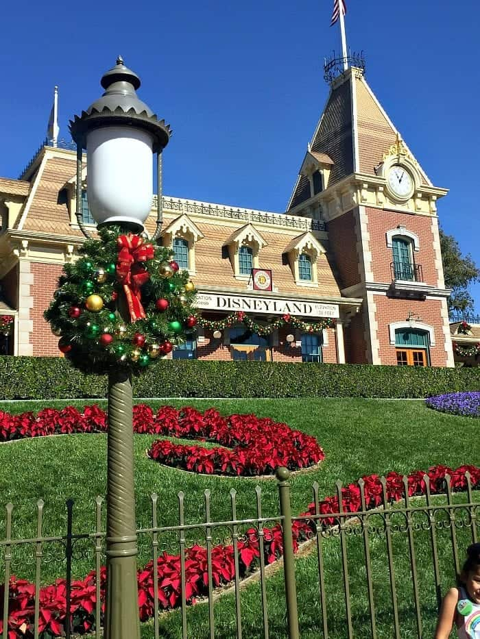 reasons to visit disneyland resort during christmas