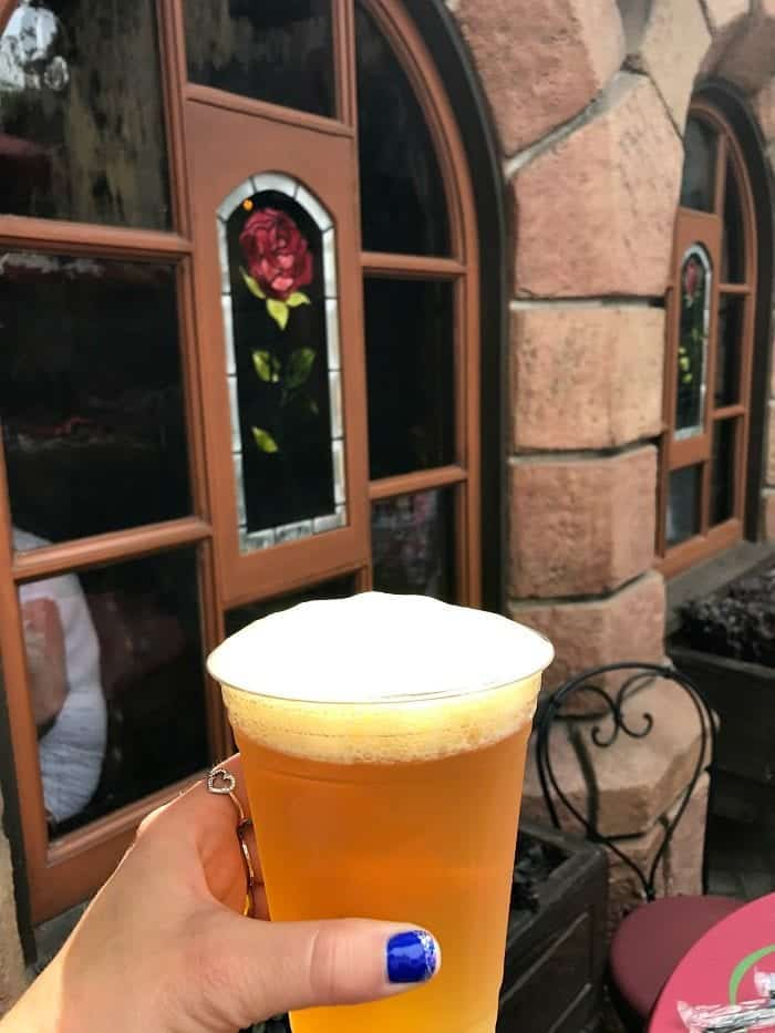 Red Rose Taverne Disneyland