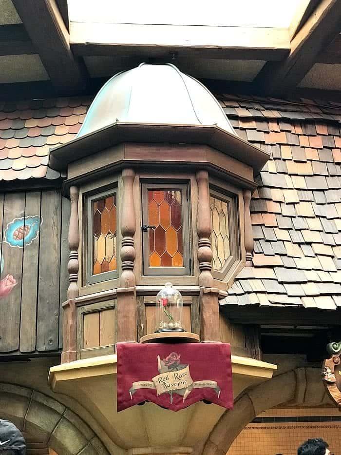Red Rose Taverne Disneyland