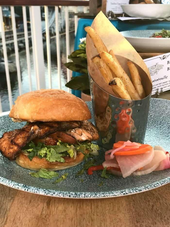 Lamplight Lounge Review