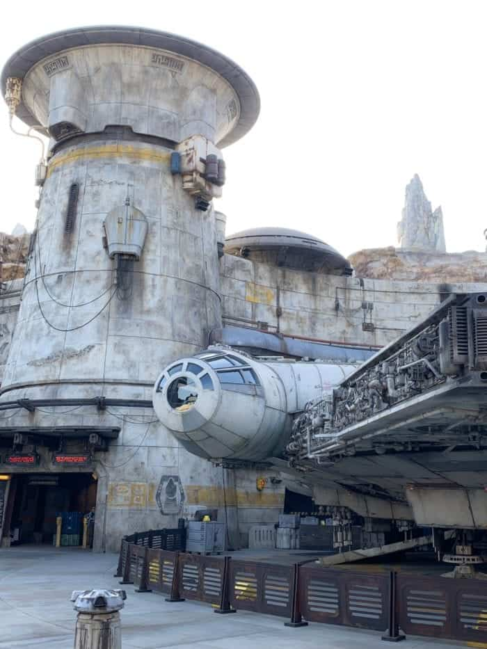 star wars land disneyland
