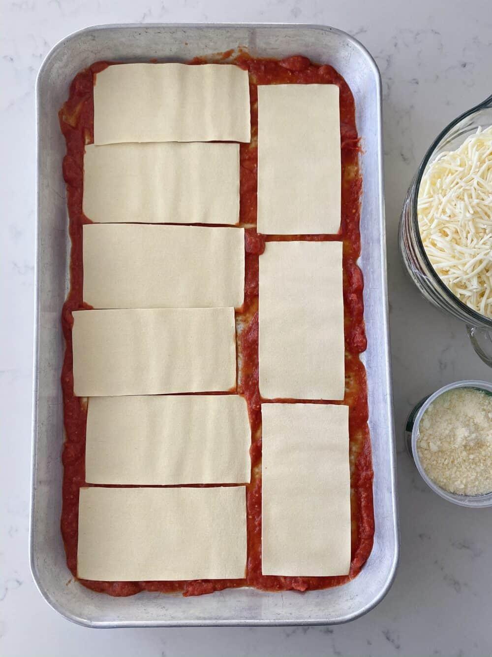 layering easy lasagna recipe