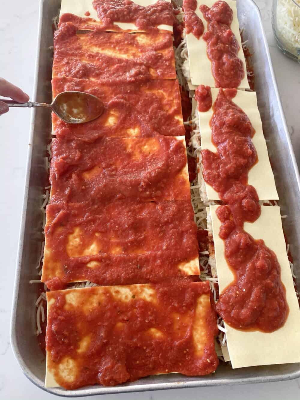 layering sauce for easy lasagna recipe