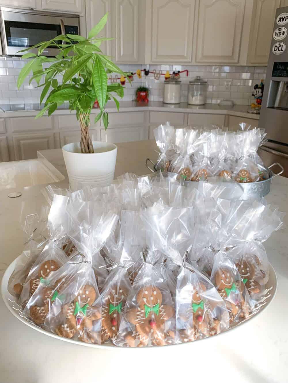 packaged gingerbread man cookies