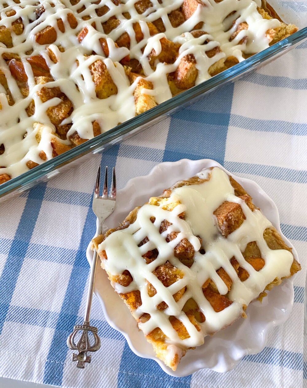 baked cinnamon roll french toast bake
