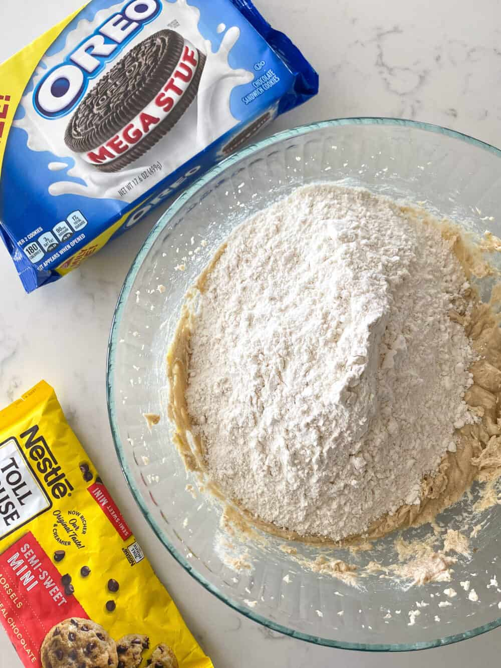 dry ingredients in mixing bowl for oreo stuffed chocolate chip cookies