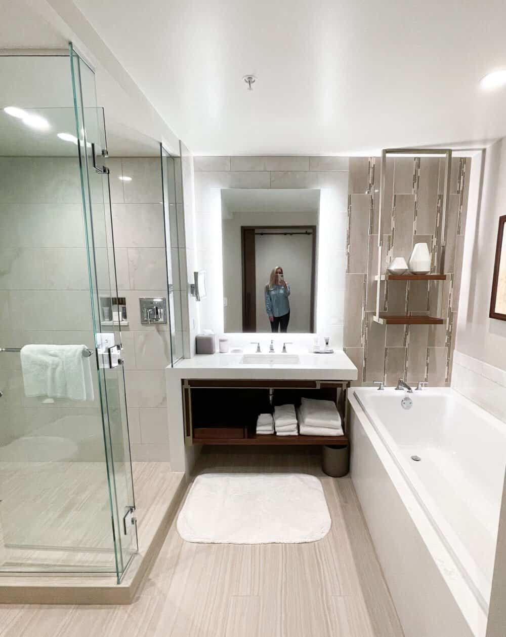 JW Marriot bathroom