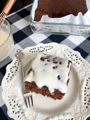 iced gingerbread cake