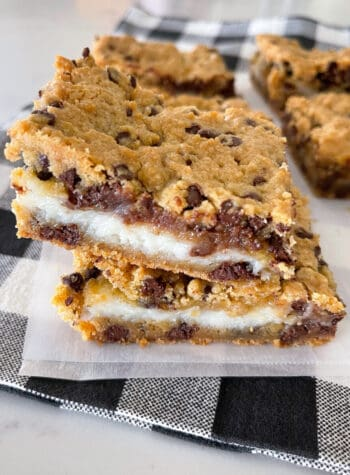 baked cheesecake bars cut in squares
