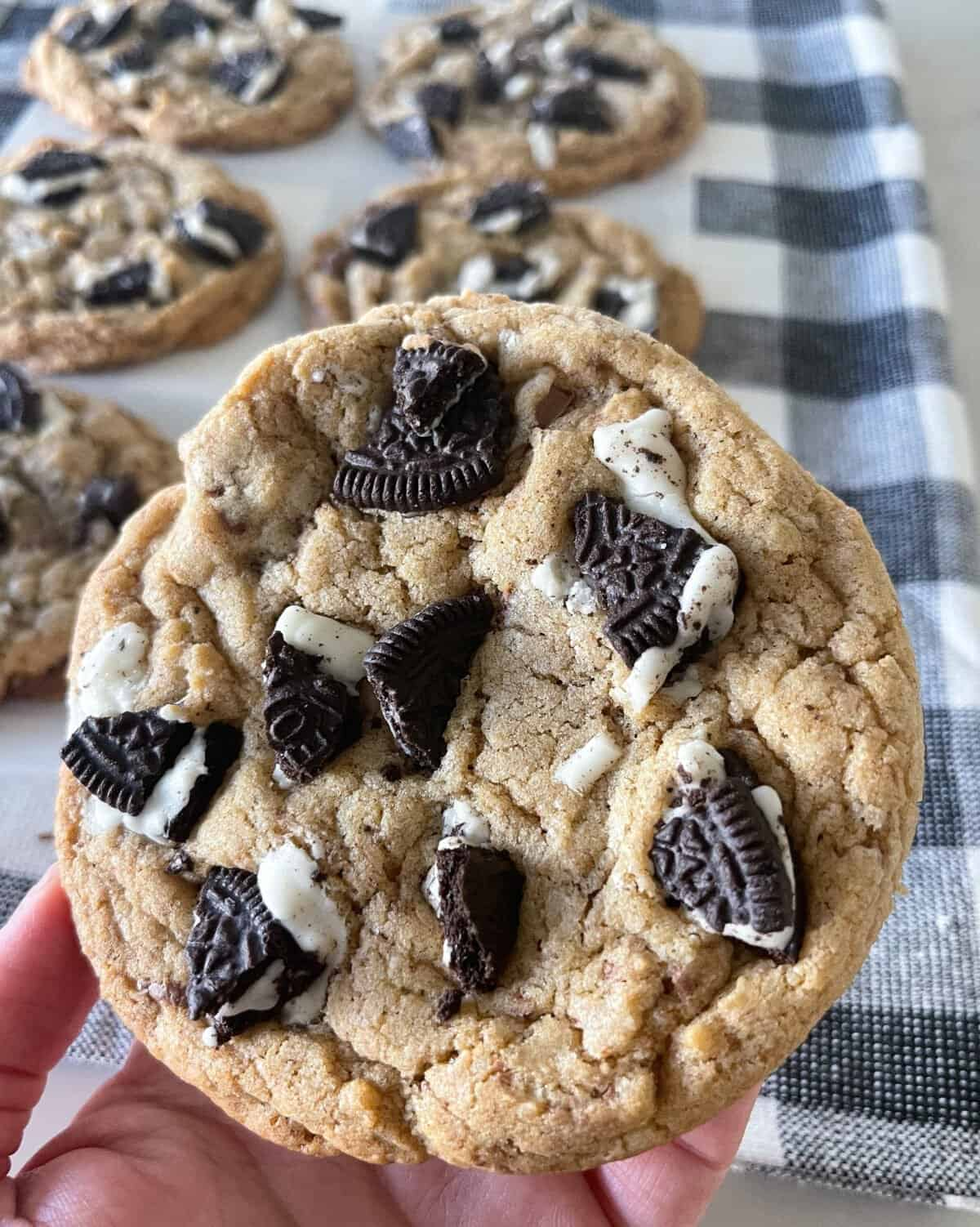 brown butter oreo cookie recipe close up